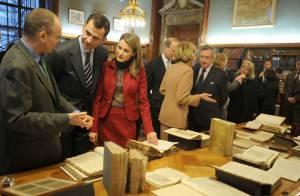 Letizia d'Espagne, en visite à New York... Très amoureux, son mari ne la lâche pas !