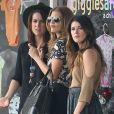 """AnnaLynne McCord, Shenae Grimes et Jessica Lowndes sur le tournage de la série """"90210"""" à Santa Monica, le 3 octobre 2012"""