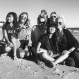 Laurence Favalelli, l'agent de Laeticia, a partagé cette photo sur Instagram, où elle pose sur la plage à Los Angeles avec Laeticia Hallyday, Jade et Joy, Marie Poniatowski et des amies le 29 janvier 2018