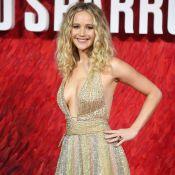 """Jennifer Lawrence : Un """"moineau"""" décolleté et sexy face à Matthias Schoenaerts"""