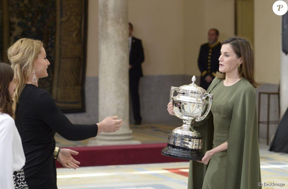 La reine Letizia d'Espagne le 19 février 2018 lors de la cérémonie annuelle des Prix Nationaux du Sport, au palais royal du Pardo à Madrid.