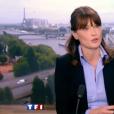 Carla Bruni-Sarkozy au JT de 13h de TF1 le 16 mai 2011. Venue parler d'illettrisme, l'épouse du président d'alors Nicolas Sarkozy avait été félicitée par Jean-Pierre Pernaut. L'ex-première dame était enceinte de sa fille Giulia mais n'avait encore rien officialisé.