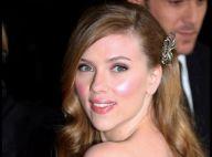 Scarlett Johansson, encore un nouveau look trop glamour... en rousse !