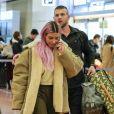 Kourtney, Kim et Khloé Kardashian (enceinte) atterrissent à l'aéroport de Tokyo, le 25 février 2018.
