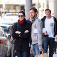 Anne Hathaway et Adam Shulman dans les rues de Los Angeles