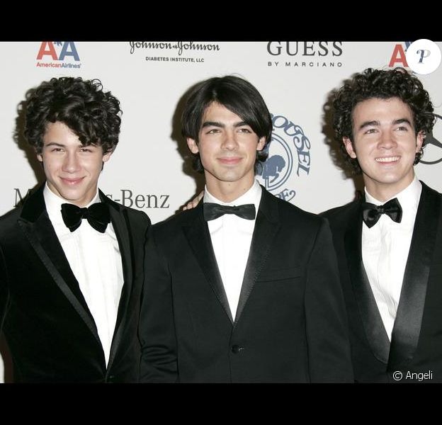 Les Jonas Brothers à Beverly Hills le 25/10/2008