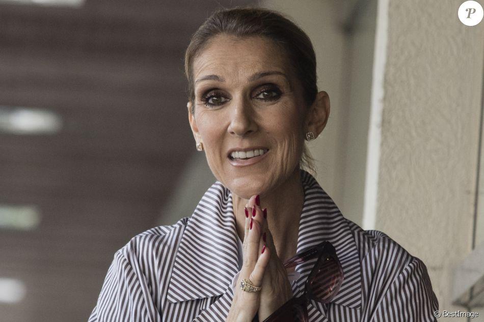 Celine Dion quitte l'hôtel Royal Monceau avec ses enfants et prend un jet privé au Bourget le 10 août 2017. © Pierre Perusseau / Bestimage