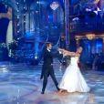 Emmanuel Philibert de Savoie et Natalia Titova dansent la valse, le 21 mars 2009, lors de la finale de Ballando Con Le Stelle.