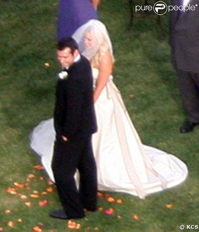 Natasha Bedingfield et Matthew Robinson lors de leur mariage à Malibu le 21 mars 2009