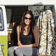 Exclusif - Teri Hatcher dans un van Volkswagen lui appartenant sur une plage à Malibu. Le 22 février 2018