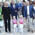 La princesse Charlene et le prince Albert II de Monaco avec leurs enfants la princesse Gabriella et le prince Jacques durant le traditionnel pique-nique des Monégasques au parc Princesse Antoinette à Monaco le 1er septembre 2017. © Claudia Albuquerque/Bestimage