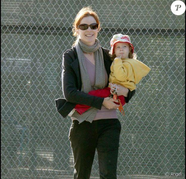 Marcia Cross et l'une de ses deux filles (Eden ou Savannah ?) à Santa Monica