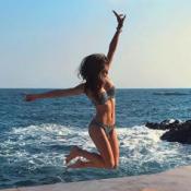 Iris Mittenaere divine en bikini à Cannes : Camille Cerf aux premières loges