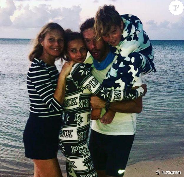 Gwyneth Paltrow, Chris Martin et leurs enfants Apple et Moses. Photo publiée le 2 mars 2018 pour l'anniversaire du leader de Coldplay.