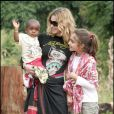 Madonna, sa fille Lourdes et son fils David en avril 2007 au Malawi