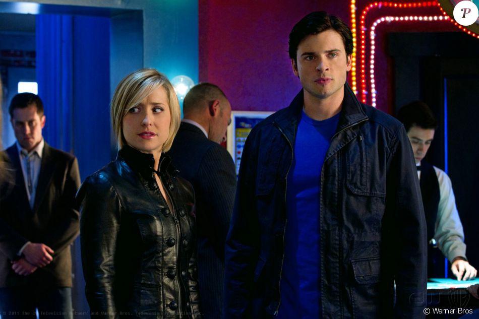 """Allison Mack et Tom Welling dans """"Smallville"""". La série a été diffusée pendant dix ans entre 2001 et 2011."""