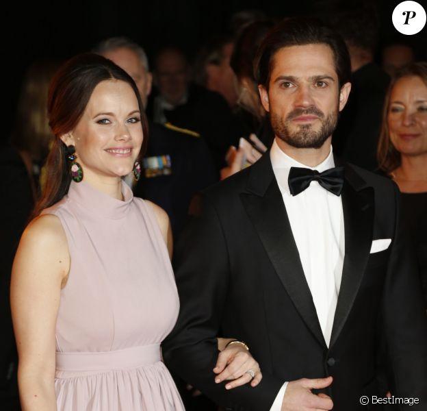 """Le prince Carl Philip de Suède et la princesse Sofia arrivent à la soirée """"Idrottsgalan 2018"""" à Stockholm le 15 janvier 2018."""