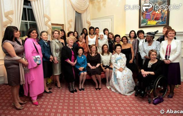 194294-les-femmes-des-leaders-politiques-du-637x0-3.jpg