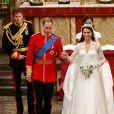 Le prince Harry était le témoin de son frère le prince William lors de son mariage avec Kate Middleton le 29 avril 2011 à Londres. Le 19 mai 2018, il a demandé à William de lui rendre la pareille lors de son mariage avec Meghan Markle.