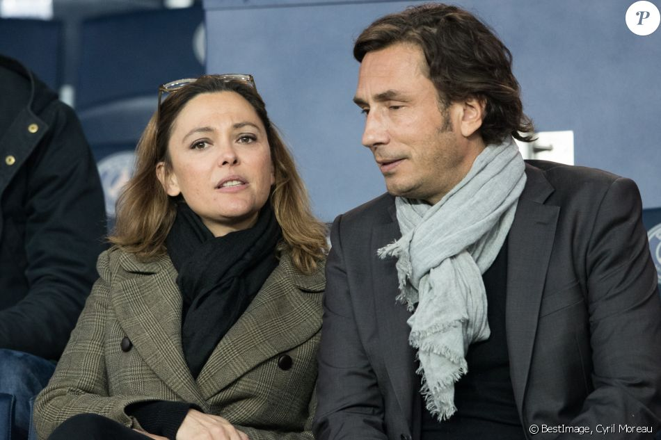 Sandrine Quétier et son compagnon Sébastien Goales dans les tribunes du Parc des Princes lors du match du Paris Saint-Germain (PSG) contre l'En Avant Guingamp (EAG) à Paris, le 29 avril 2018 (score final : 2-2). © Cyril Moreau/Bestimage