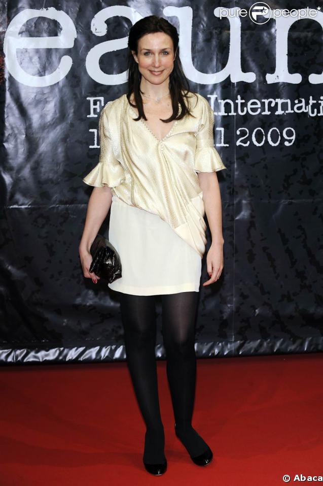 Elsa Zylberstein en sexy look, au premier Festival du Film Policier de Beaune, le 3 avril 2009 !