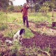 Florian Delavega dans son jardin, loin du star system. Instagram, le 5 mai 2018.