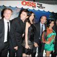 """Alex Lutz, Michelle Hazanavicius, Louise Monot, Jean Dujardin, Reem Kherici, lors de la soirée """"OSS 117"""", avec avant-première du film au Gaumont Opéra, puis fête au VIP Room Theatre, le 7 avril 2009 !"""