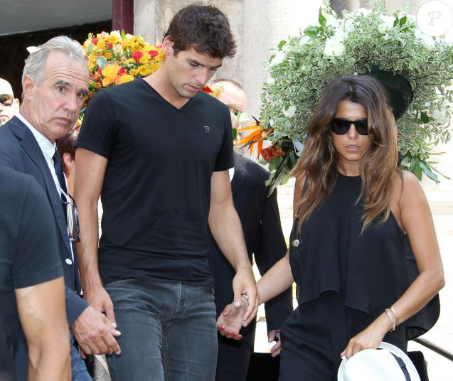 Karine Ferri et Yoann Gourcuff - A Cannes, les sportifs rendent un dernier hommage à Tiburce Garou le 10 juillet 2015.