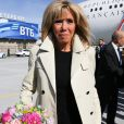 Le président français Emmanuel Macron et sa femme Brigitte arrivent à l'aéroport de Saint-Petersbourg, à l'occasion du Forum économique international de Saint-Pétersbourg. Le 24 mai 2018.