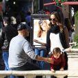 Exclusif - Stacy Keibler fait du shopping avec son mari Jared Pobre et leur fille Ava à Hollywood le 3 décembre 2016