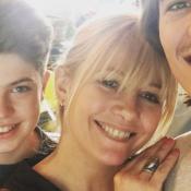 Flavie Flament, maman heureuse et souriante avec ses fils Antoine et Enzo