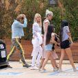 Semi-Exclusif - Isabelle Camus, son fils Joalukas Noah, Laeticia Hallyday, ses filles Jade et Joy arrivent au Little Beach House de Malibu, le 26 mai 2018.