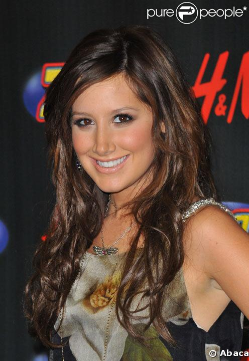 Ashley Tisdale en décembre 2008