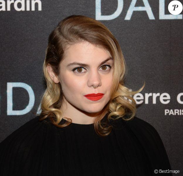 """Béatrice Martin, dite Coeur de Pirate - Avant-première du film """"Dalida"""" à L'Olympia, Paris le 30 novembre 2016. © Rachid Bellak/Bestimage"""