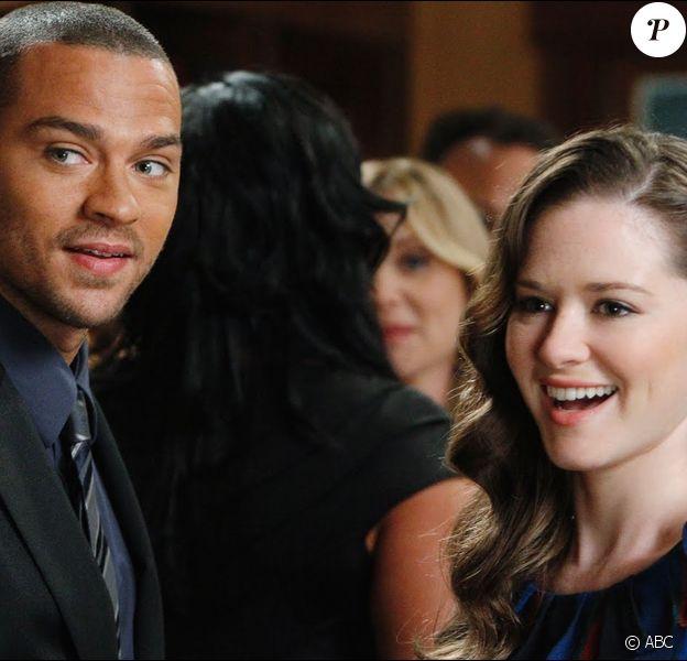 """Jesse Williams (Jackson Avery) et Sarah Drew (April Kepner) dans """"Grey's Anatomy"""" (TF1-ABC)."""