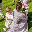 La princesse héritière Victoria de Suède, entourée de son mari le prince Daniel, ses enfants la princesse Estelle et le prince Oscar, et ses parents le roi Carl XVI Gustaf et la reine Silvia, célébrait le 14 juillet 2018 son anniversaire, rencontrant le public à la Villa Solliden sur l'île d'Öland.