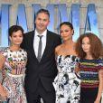 """Ol Parker et sa femme Thandie Newton avec leurs filles Ripley et Nico à la première de """"Mamma Mia! Here We Go Again"""" au cinéma Eventim Apollo à Londres, le 16 juillet 2018."""