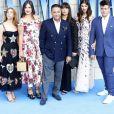"""Andy Garcia avec sa femme Marivi et leurs enfants Andres, Alessandra, Daniella et Dominik à la première de """"Mamma Mia! Here We Go Again"""" au cinéma Eventim Apollo à Londres, le 16 juillet 2018."""