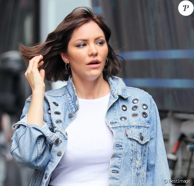 """Exclusif - Katharine McPhee reçoit la visite de son compagnon D. Foster sur le tournage de """"Waitress"""" à New York, le 7 juin 2018."""