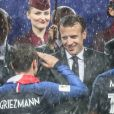 Emmanuel Macron et Antoine Griezmann - Finale de la Coupe du Monde de Football 2018 en Russie à Moscou, opposant la France à la Croatie (4-2). Le 15 juillet 2018 © Moreau-Perusseau / Bestimage