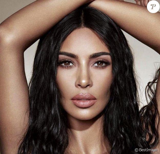 Kim Kardashian pose pour la campagne de sa marque de cosmétiques KKW Beauty, le 29 juillet 2018.