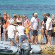 Exclusif - L'ex-footballeur brésilien Ronaldo en vacances avec sa compagne Celina Locks et des amis à Formentera, le 21 juillet 2018.
