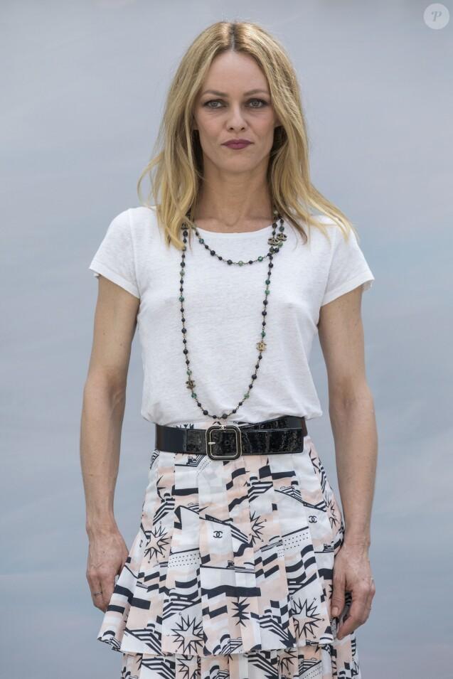 """Vanessa Paradis (épouse Benchetrit) - Photocall du 2ème défilé de mode """"Chanel"""", collection Haute-Couture automne-hiver 2018/2019, à Paris. Le 3 juillet 2018 © Olivier Borde / Bestimage"""