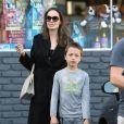 Exclusif - Angelina Jolie fait du shopping avec ses enfants à Los Feliz, le 15 août 2018