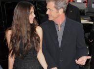 Mel Gibson vous présente officiellement sa girlfriend... en présence des sexy Fergie et Halle Berry !