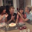 Laeticia et Johnny Hallyday avec leurs filles Jade et Joy pour l'anniversaire de Joy le 27 juillet 2017 à Paris