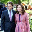 Le Prince Floris et sa femme Aimee, enceinte, lors de la fête de la Reine à Apeldoorn aux Pays-Bas le 30 avril 2009 juste avant que ne survienne le drame