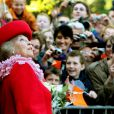 La Reine Beatrix des Pays-Bas lors de la fête de la Reine à Apeldoorn aux Pays-Bas le 30 avril 2009 juste avant que ne survienne le drame