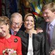 La Princesse Margriet, son époux Pieter van Vollenhoven, la princess Maxima et son mari le prince Willem-Alexander lors de la fête de la Reine à Apeldoorn aux Pays-Bas le 30 avril 2009 juste avant que ne survienne le drame