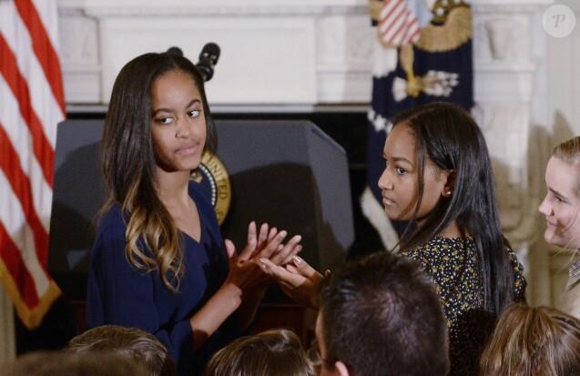Malia et Sasha Obama à la Maison Blanche à Washington le 12 janvier 2017
